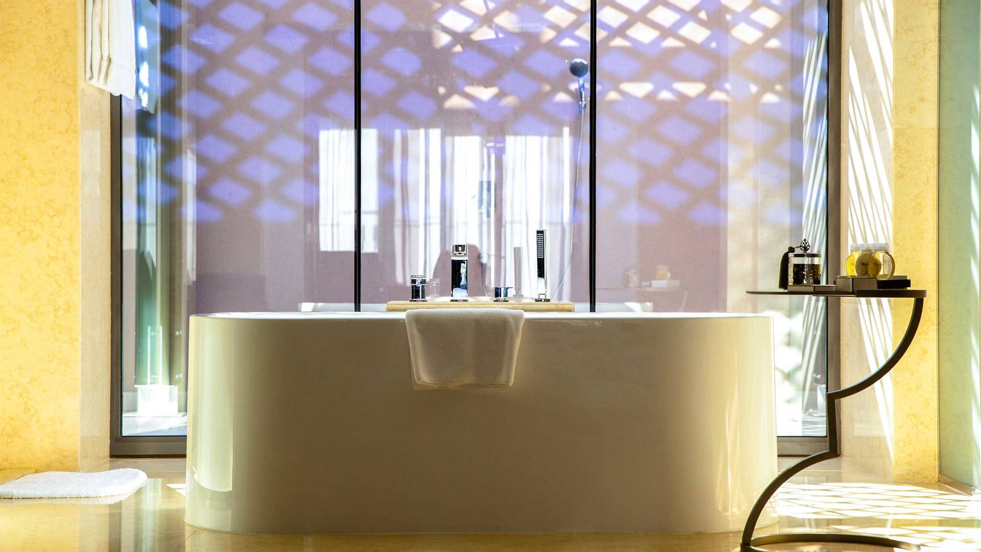 16-9 Jumeirah Royal Saray Royal Residence 25 bathroom