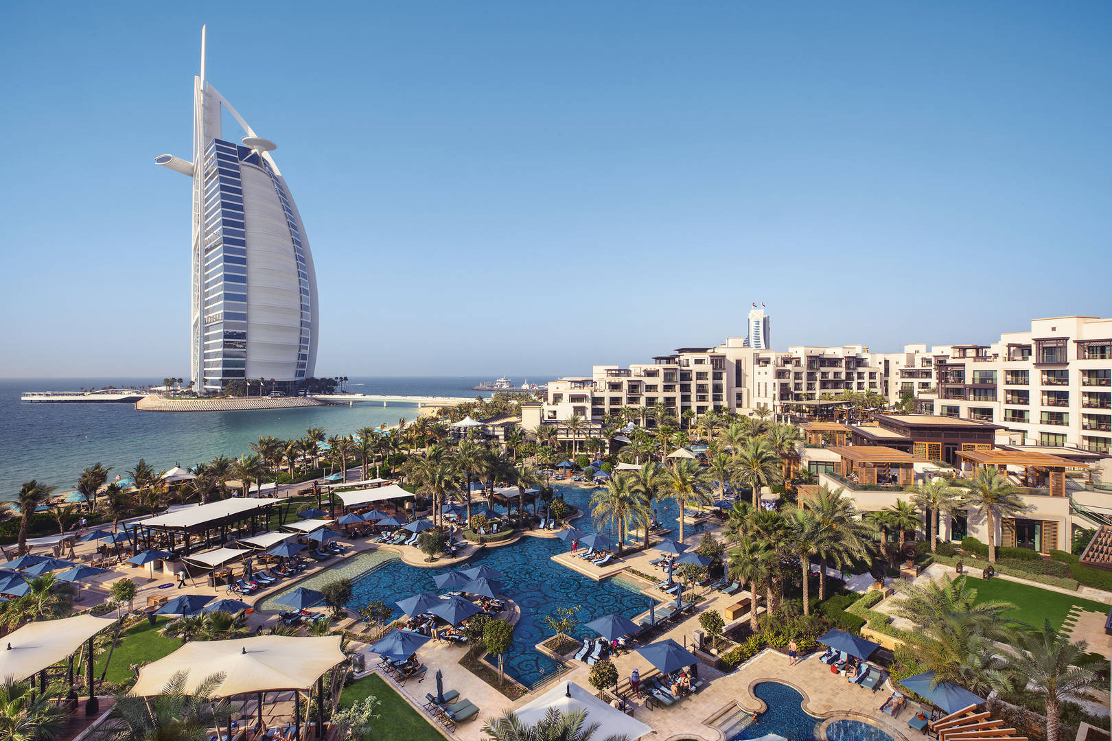 Day-Shot-Jumeirah-Al-Naseem-Resort