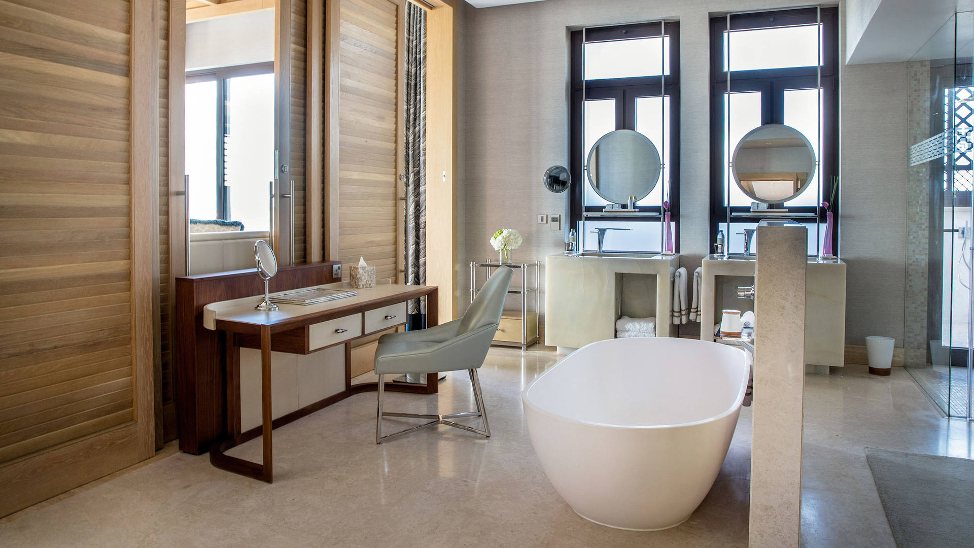 Presidential-Suite-Bathroom-Jumeirah-Al-Naseem