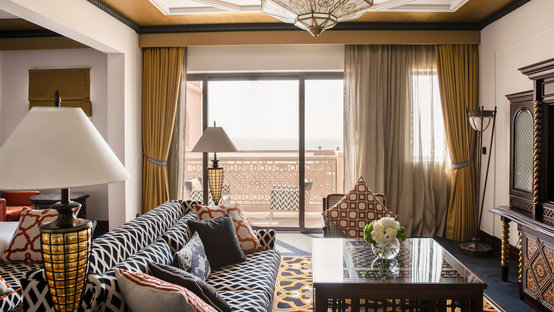 Junior-ocean-Suite-Jumeirah-Al-Qasr