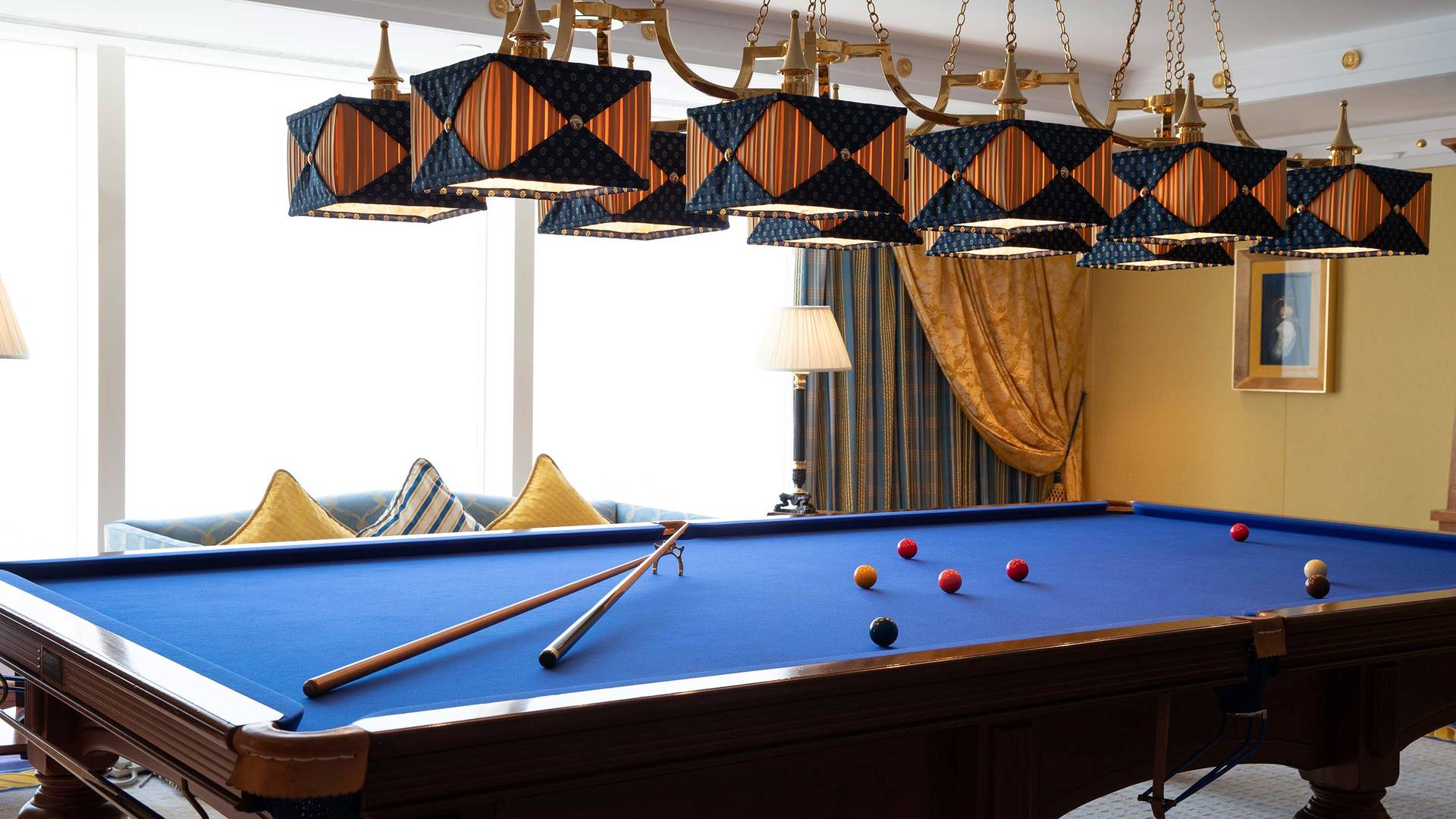 Jumeirah Burj Al Arab Club one bedroom suite billiard room_16-9