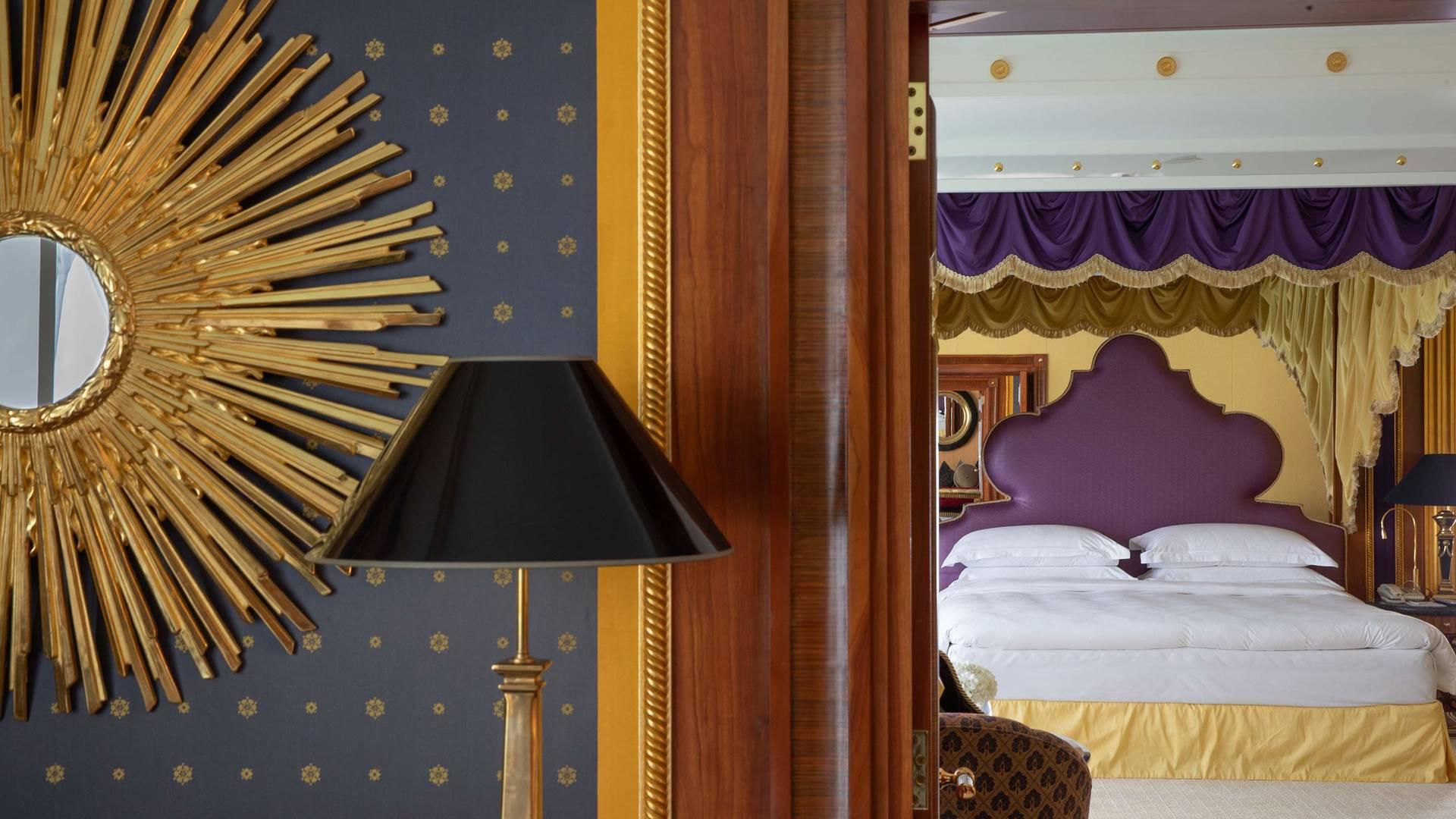 Jumeirah Burj Al Arab three bedroom suite master bedroom detail_16-9