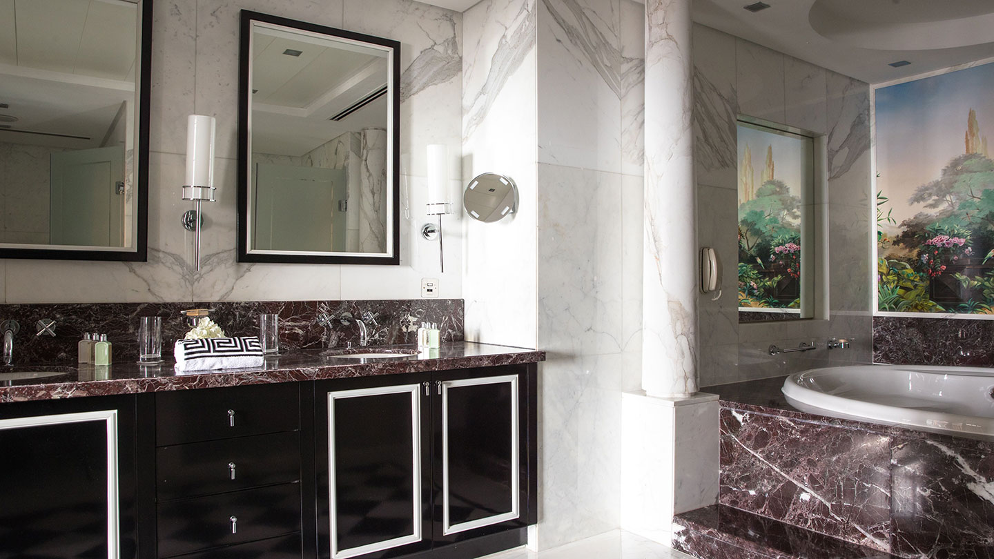 Jumeirah Emirates Towers Presidential Suite Versace Bathroom