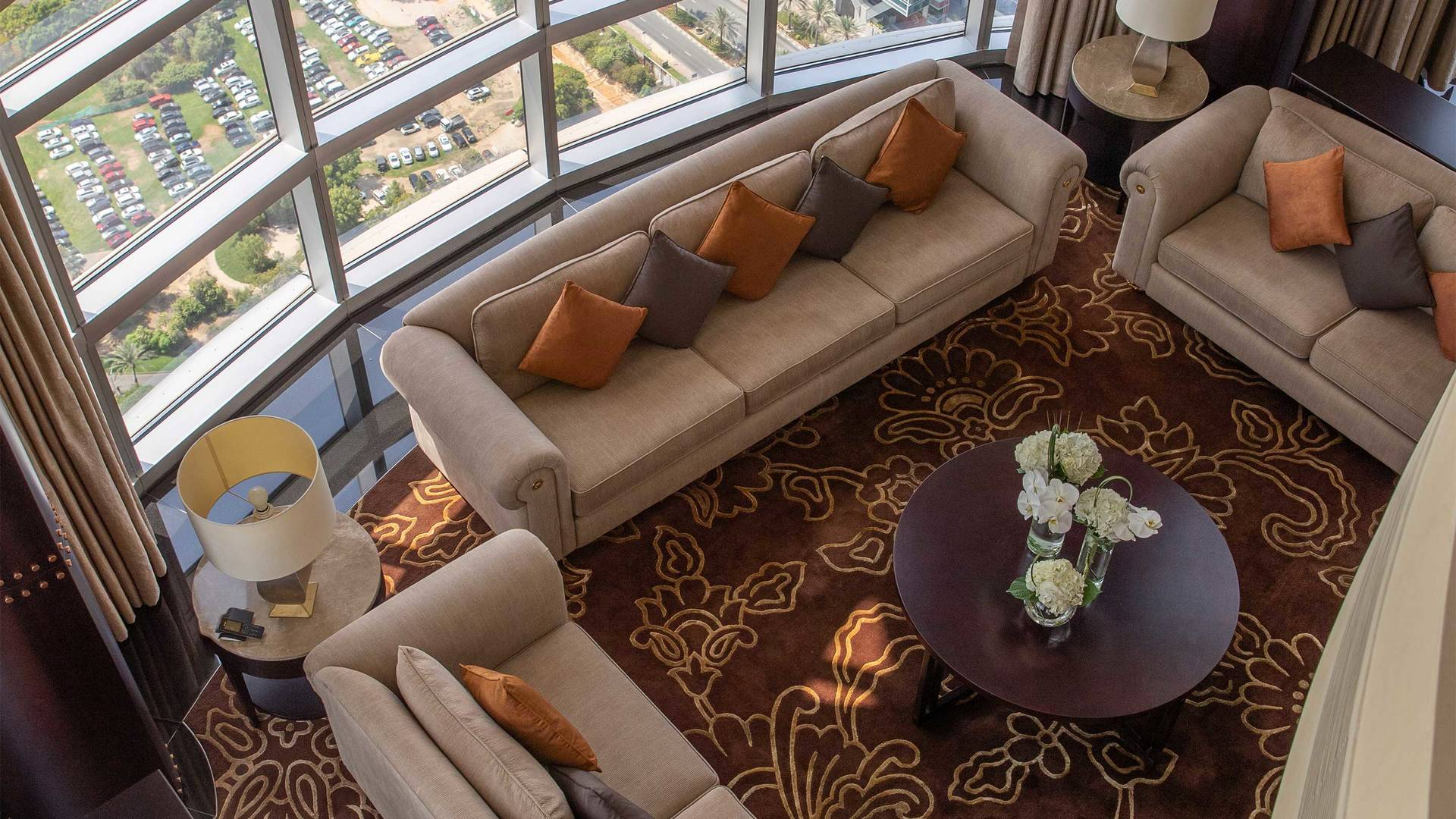 16-9_Jumeirah-Emirates-Towers---Royal-Suite--Living-Room