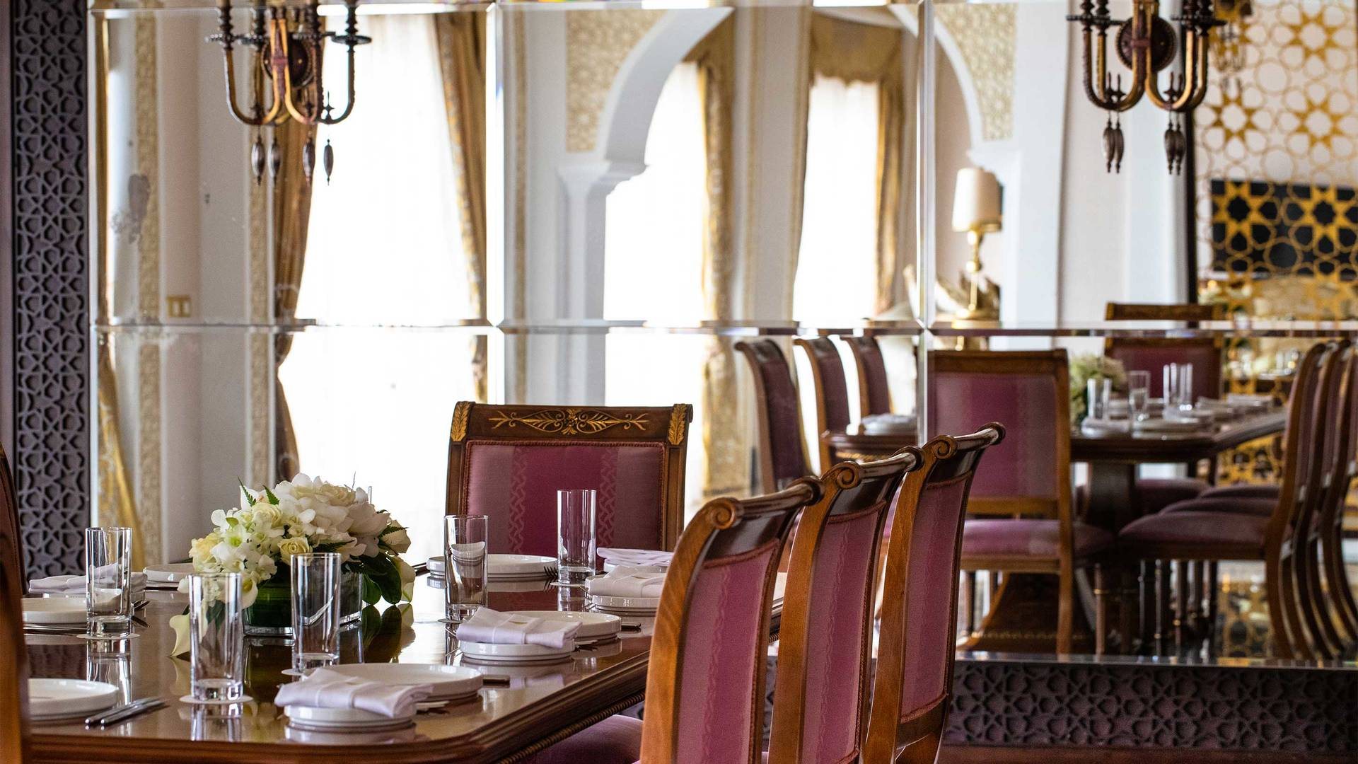 16-9_Jumeirah-Zabeel-Saray---Grand-Imperial-Suite---Dining-Area-Detail