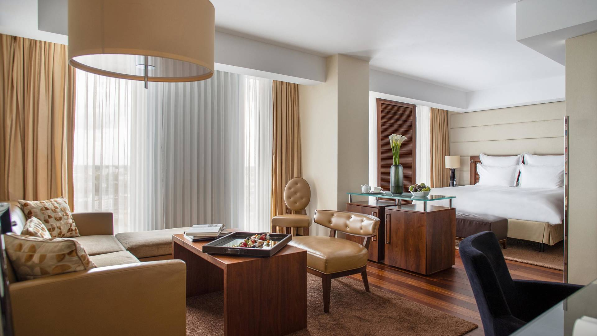 Jumeirah Frankfurt Junior Suite