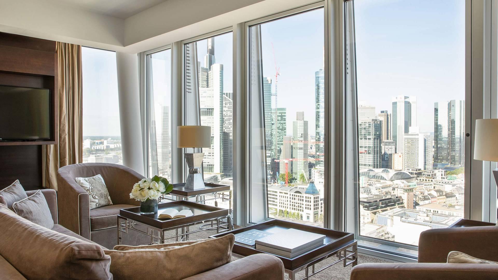 Jumeirah Frankfurt Presidential suite livingroom 1_16-9