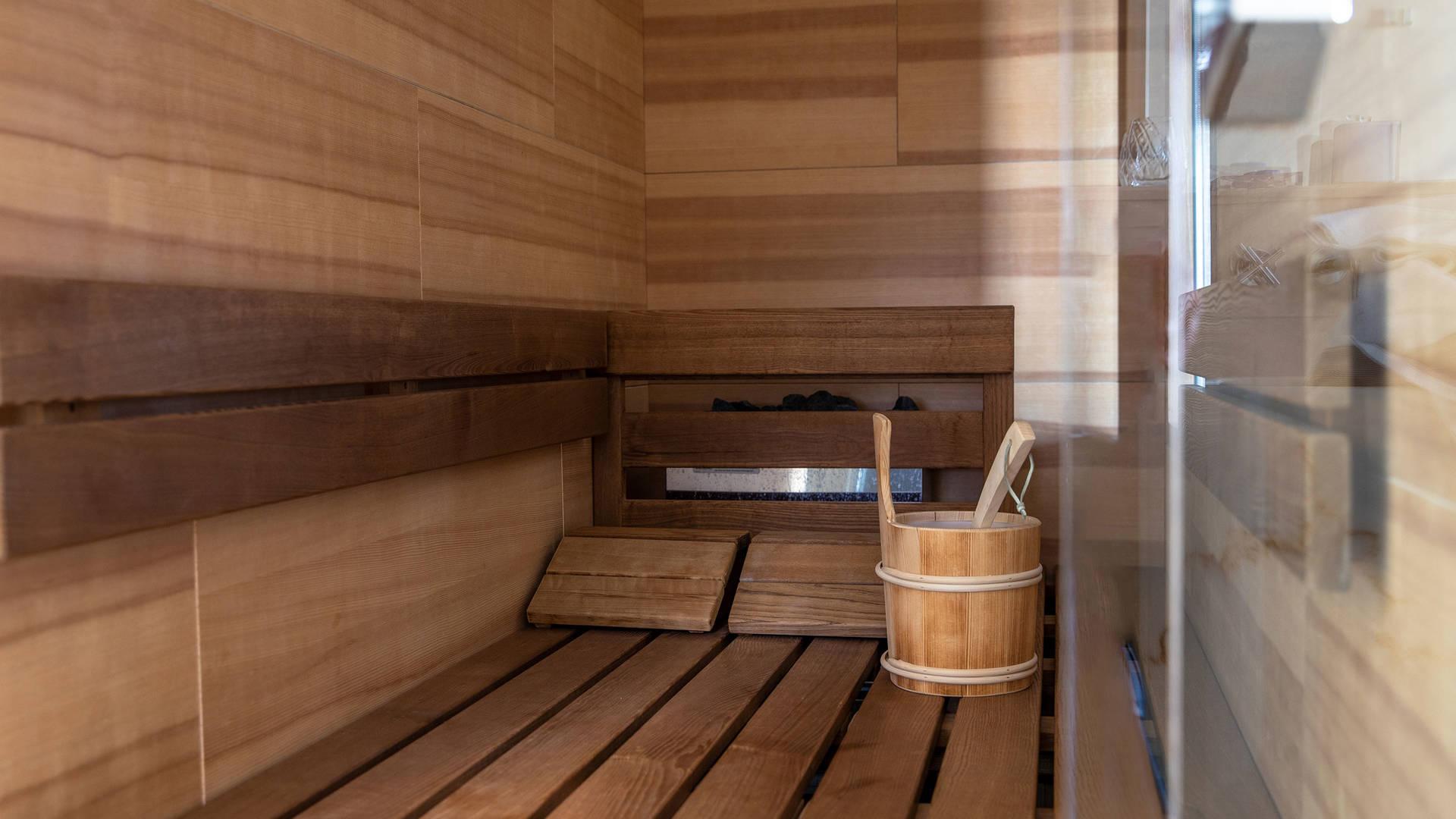 Jumeirah Frankfurt Presidential suite sauna_16-9