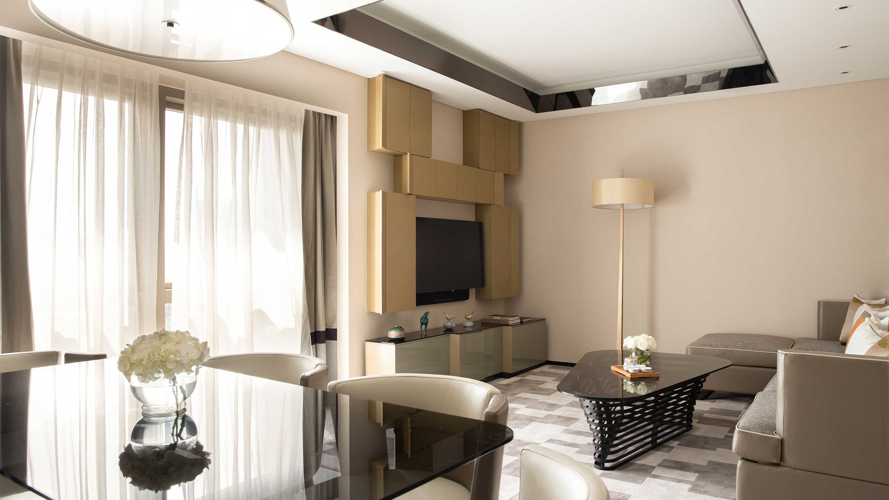 16-9 JUMEIRAH LIVING GUANGZHOU Contemporary 3 bed room suite living room 1602