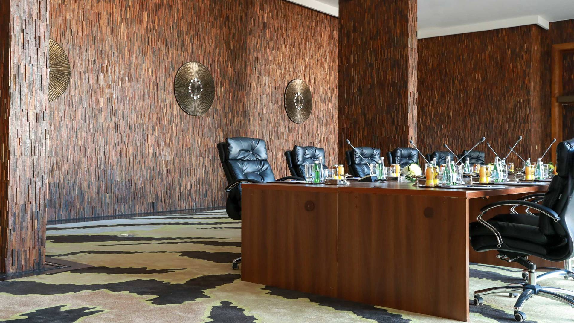 https://cdn.jumeirah.com/-/mediadh/DH/Hospitality/Jumeirah/Hotels/Kuwait/Jumeirah-Messilah-Beach-Hotel-and-Spa/Meeting-Rooms/Al-Sadu/169AlSaduLeft-side-MeetingRoomJumeirahMessilahBeachHotelSpa3_landscape.jpg?h=1080&w=1920&hash=51F32648C67452F78454A2EC5E4C8378