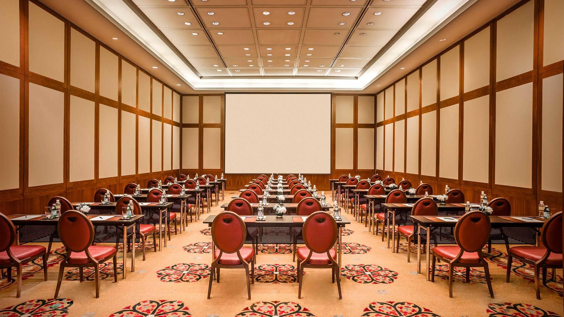 https://cdn.jumeirah.com/-/mediadh/DH/Hospitality/Jumeirah/Hotels/Kuwait/Jumeirah-Messilah-Beach-Hotel-and-Spa/Meeting-Rooms/Messilah-Ballroom/169JumeirahMessilahfront-BeachHotelSpaMessilahBallroom2_landscape.jpg?h=1080&w=1920&hash=7B66814863CD28F594C588DEE55B7663