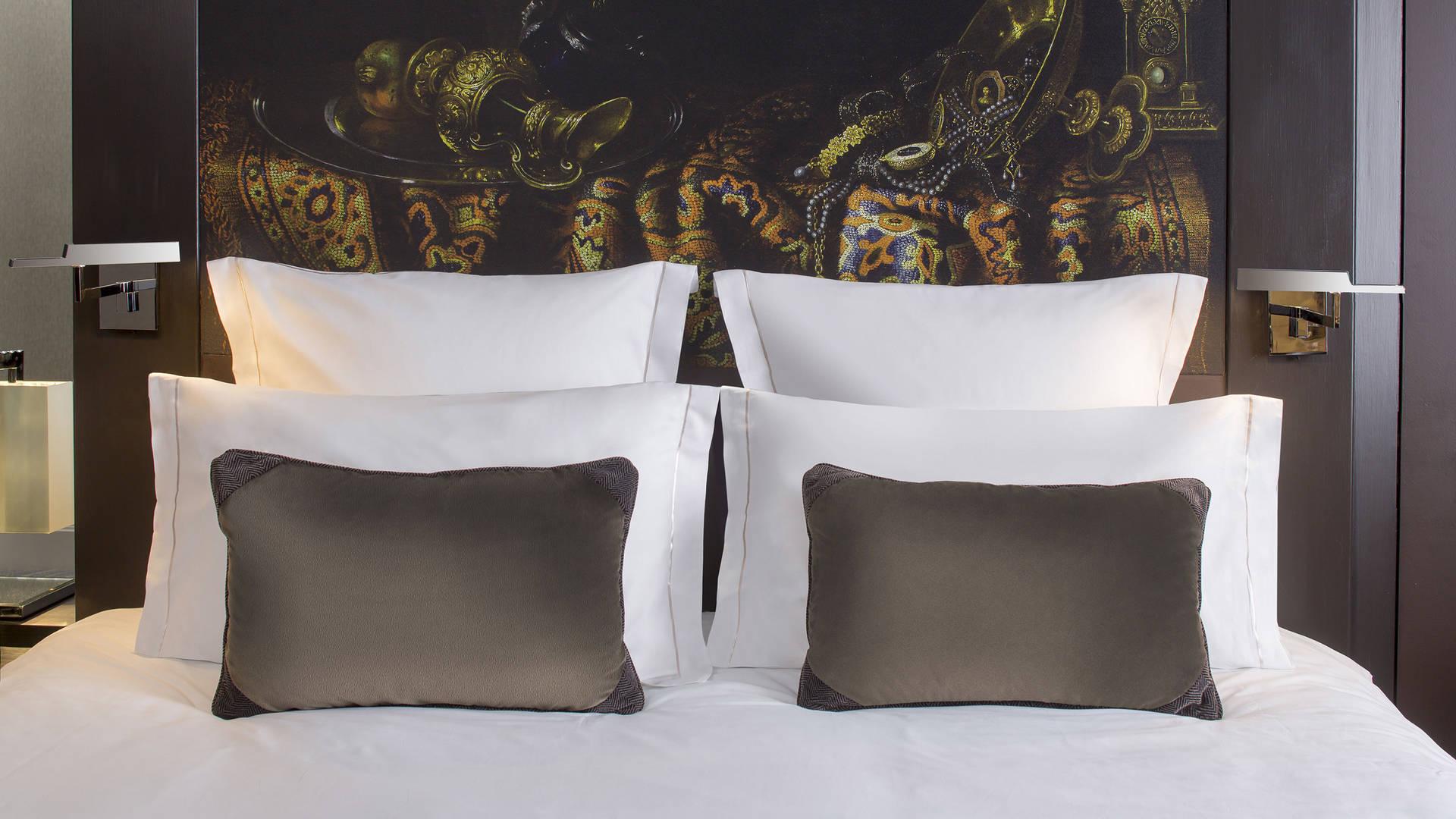 Bed-Junior suite-Jumeirah-Lowndes-Hotel