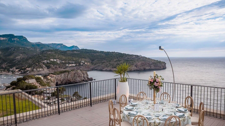 https://cdn.jumeirah.com/-/mediadh/DH/Hospitality/Jumeirah/Hotels/Mallorca/Jumeirah-Port-Soller-Hotel-and-Spa/Hotel-Offers/Low_resolution_72dpi-Jumeirah-Port-Soller-Wedding-Table-Tramuntana-Terrace_16-9_landscape.jpg?h=810&w=1440&hash=D6CC519588EC90D83B066F6EB37CAB31