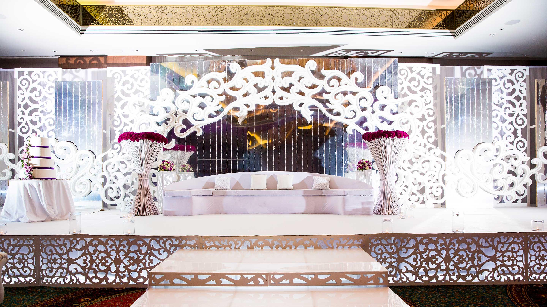 https://cdn.jumeirah.com/-/mediadh/DH/Hospitality/Jumeirah/Occasion/Dubai/Creekside-Wedding/16-9_Jumeirah-Creekside-Hotel-Weddings-Kosha.jpg?h=1620&w=2880&hash=68053BA61FD75B437E5B42D0229B89C5