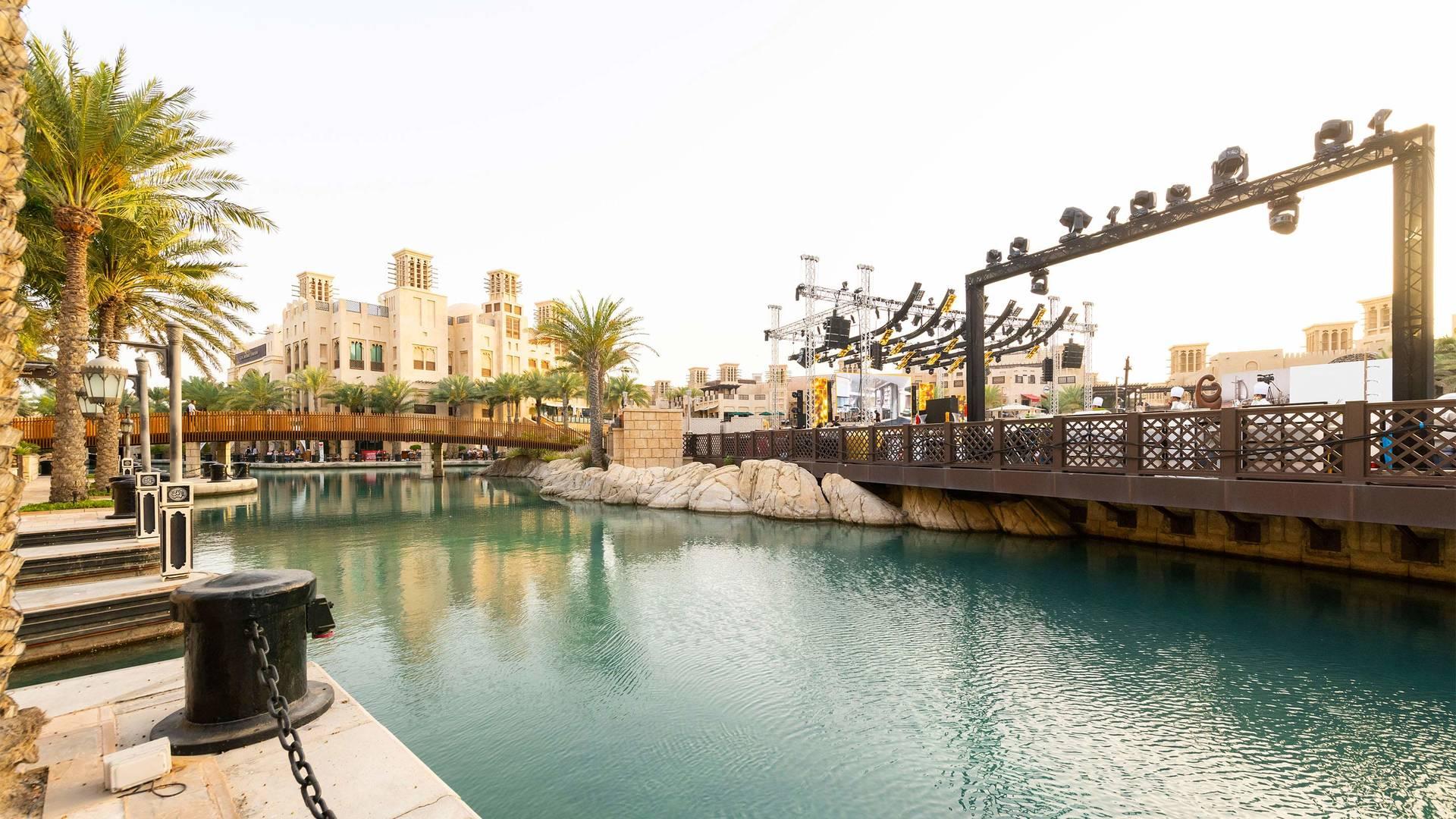 https://cdn.jumeirah.com/-/mediadh/DH/Hospitality/Jumeirah/Occasion/Dubai/Fort-Island-Madinat-Jumeirah-Event-4_16-9.jpg?h=1080&w=1920&hash=9953A305E70EC7B8180BC7D4AA4C1C02