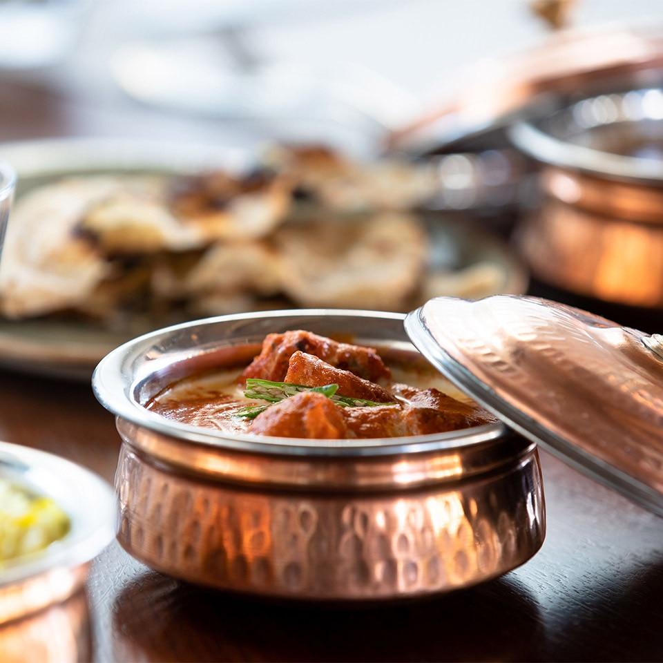 https://cdn.jumeirah.com/-/mediadh/DH/Hospitality/Jumeirah/Restaurants/Dubai/Al-Naseem-Palmery/Restaurant-Gallery/Jumeirah-Al-Naseem-The-Palmery-Curry-1-1.jpg?h=960&w=960&hash=BAD3FCC35E5793A0337CB923000F8523
