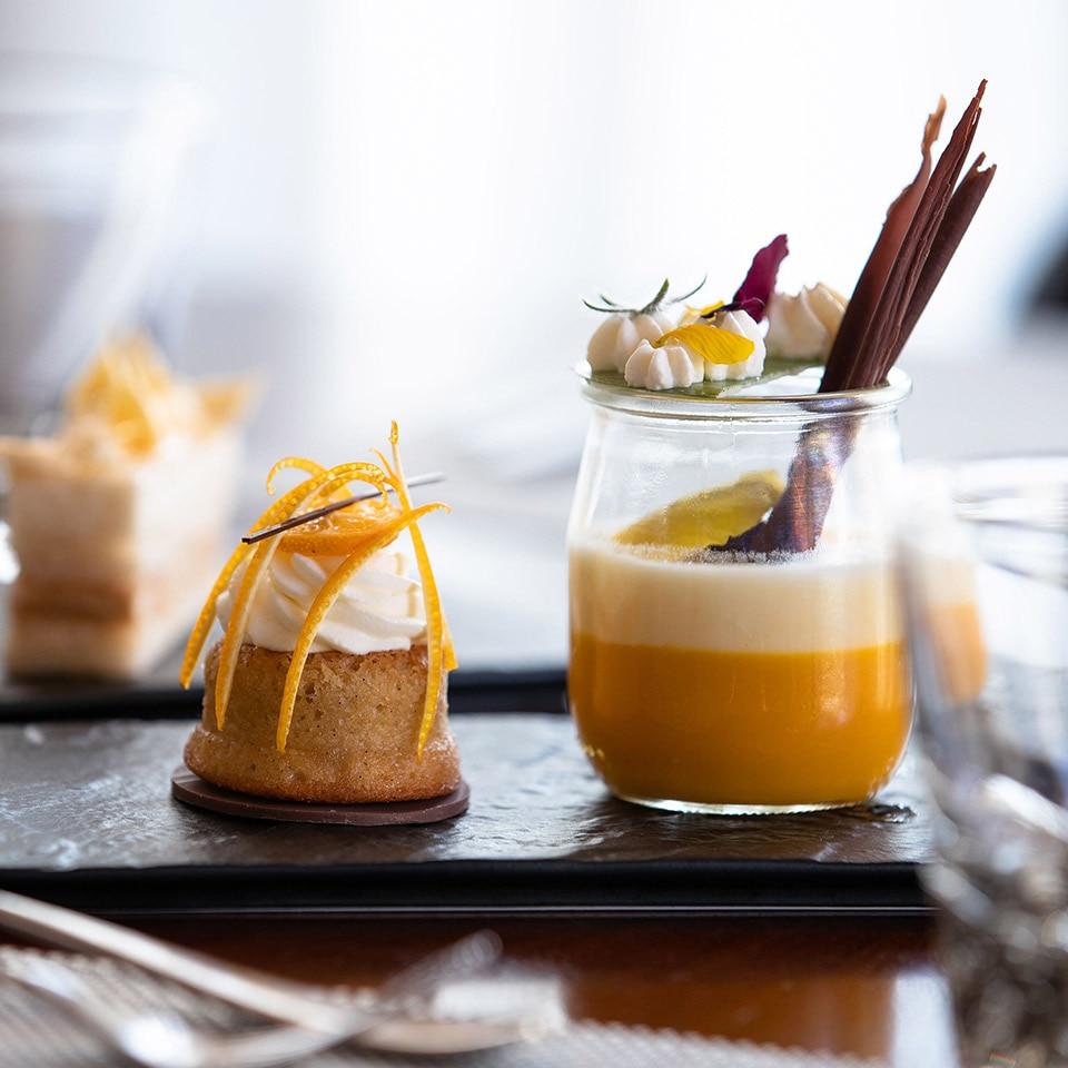 https://cdn.jumeirah.com/-/mediadh/DH/Hospitality/Jumeirah/Restaurants/Dubai/Al-Naseem-Palmery/Restaurant-Gallery/Jumeirah-Al-Naseem-The-Palmery-Dessert-Selection-1-1.jpg?h=960&w=960&hash=DFD4BB70C3B5483BF1D2FC39198993BE