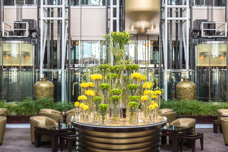 https://cdn.jumeirah.com/-/mediadh/DH/Hospitality/Jumeirah/Restaurants/Dubai/Emirates-Daefi-Lounge/Restaurant-Gallery/High_resolution_300dpi-Jumeirah-Emirates-Towers-Daefi-Lounge_6-4.jpg?h=960&w=1440&hash=265BBBF0ED4FF0FEC455C9C551551715
