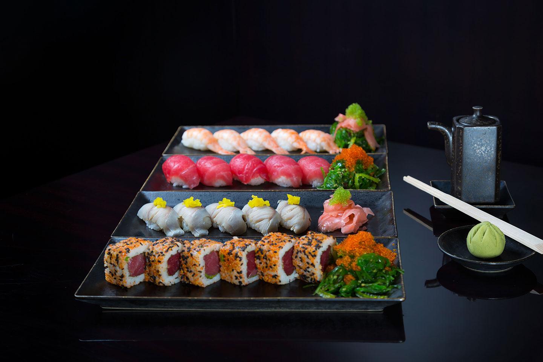 https://cdn.jumeirah.com/-/mediadh/DH/Hospitality/Jumeirah/Restaurants/Dubai/Emirates-Mundo/Restaurant-Menu/Low_resolution_72dpi-Jumeirah-Emirates-Towers-Mundo-Restaurant-Sushi-and-sashimi-selection_6-4.jpg?h=960&w=1440&hash=D5FFBA7004D97A67DADB4E8936029171