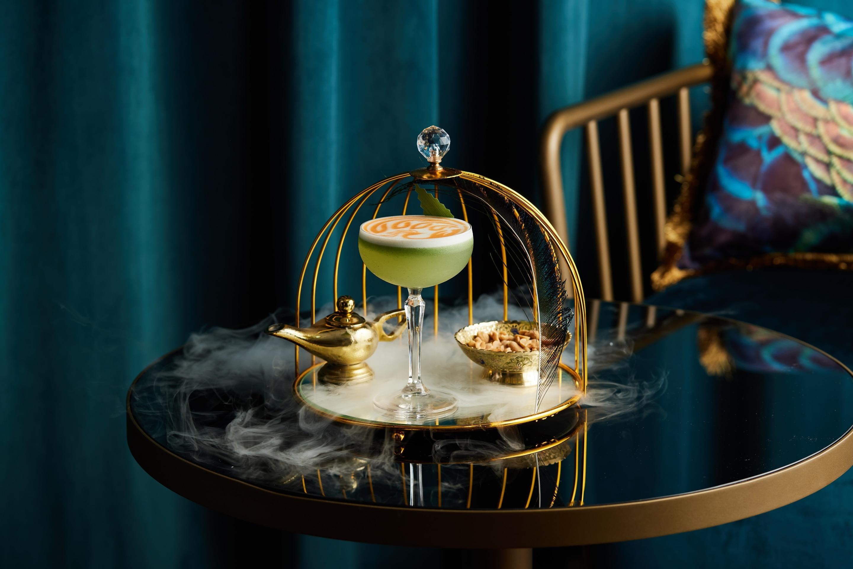 https://cdn.jumeirah.com/-/mediadh/DH/Hospitality/Jumeirah/Restaurants/Dubai/Mina-A-Salam-Bahri-Bar/Restaurant-Gallery/gallery_Jumeirah-Mina-A-Salam-Bahri-Bar.jpg?h=1920&w=2880&hash=8DE8DD4FCADA740481E675AE0802B9BC