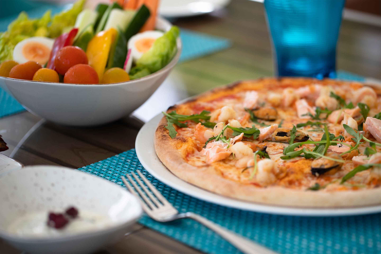https://cdn.jumeirah.com/-/mediadh/DH/Hospitality/Jumeirah/Restaurants/Dubai/Zabeel-Saray-Plaj-website-images/Restaurant-Gallery/6-4_Jumeirah-Zabeel-Saray-Restaurant-Plaj-Food-02.jpg?h=1920&w=2880&hash=55092547C75A55DFD5D0D34CC2746D80