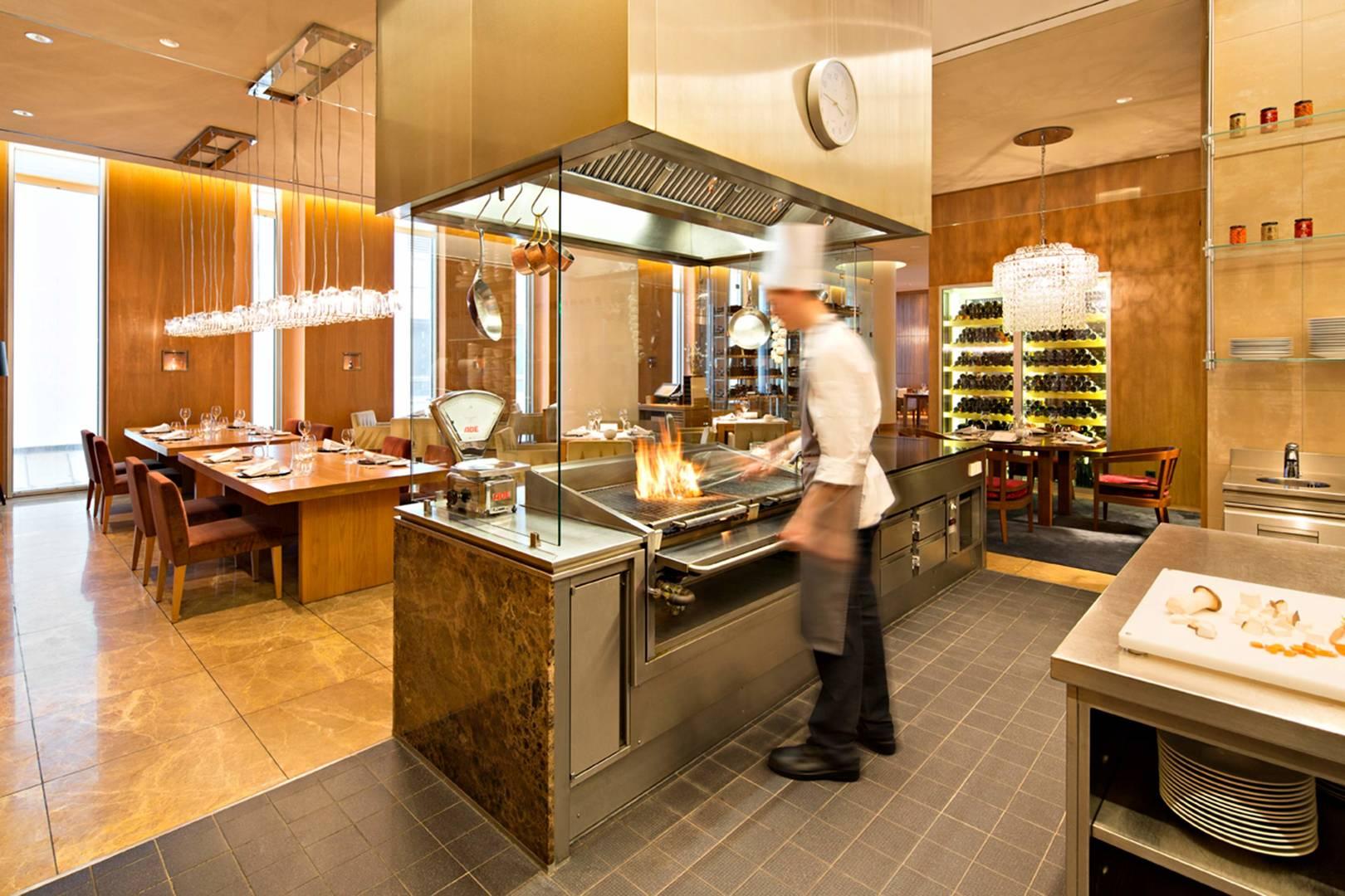 https://cdn.jumeirah.com/-/mediadh/DH/Hospitality/Jumeirah/Restaurants/Frankfurt/Frankfurt-Max-On-One-Grill-Room/Restaurant-Gallery/JumeirahFrankfurtMaxonOne364.jpg?h=1080&w=1620&hash=DB8715C784EB0E9E1712DF79B32B4DC2