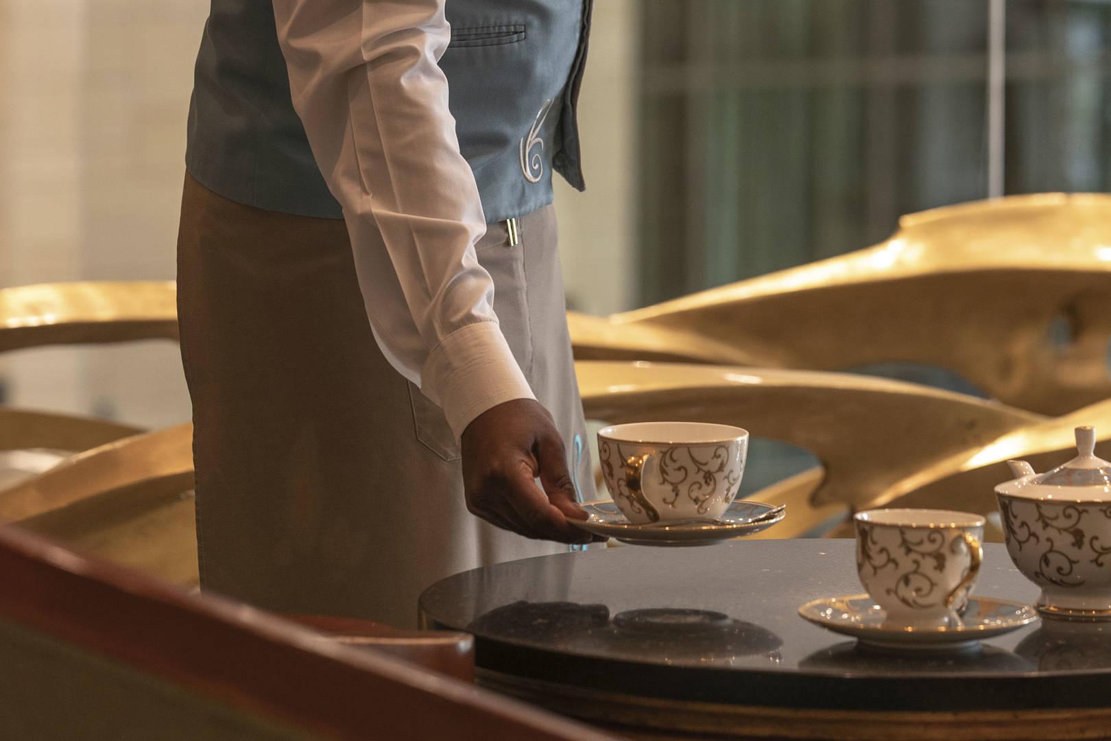 https://cdn.jumeirah.com/-/mediadh/DH/Hospitality/Jumeirah/Restaurants/Kuwait/Messilah-Tea-Lounge/Restaurant-Gallery/Tea-Lounge_6-4.jpg?h=1080&w=1620&hash=68F746E7E98714717910B067124B9716