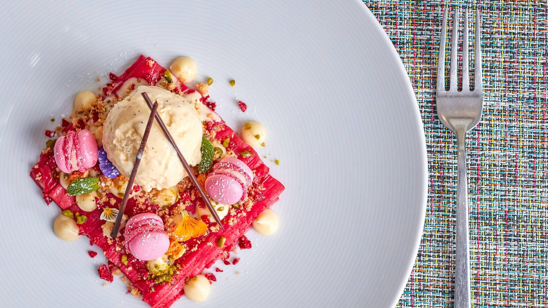 https://cdn.jumeirah.com/-/mediadh/DH/Hospitality/Jumeirah/Restaurants/London/Lowndes-Bar-and-Kitchen/Restaurant-Gallery/Jumeirah-Lowndes-Hotel-Lowndes-Bar-Kitchen-Dessert-16-9.jpg?h=1080&w=1920&hash=F0A1491DA14A79B9C0B78F64D49870F9