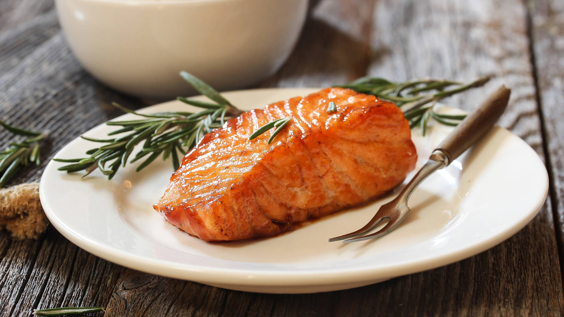 Roasted Salmon with brown sugar and mustard | Jumeriah