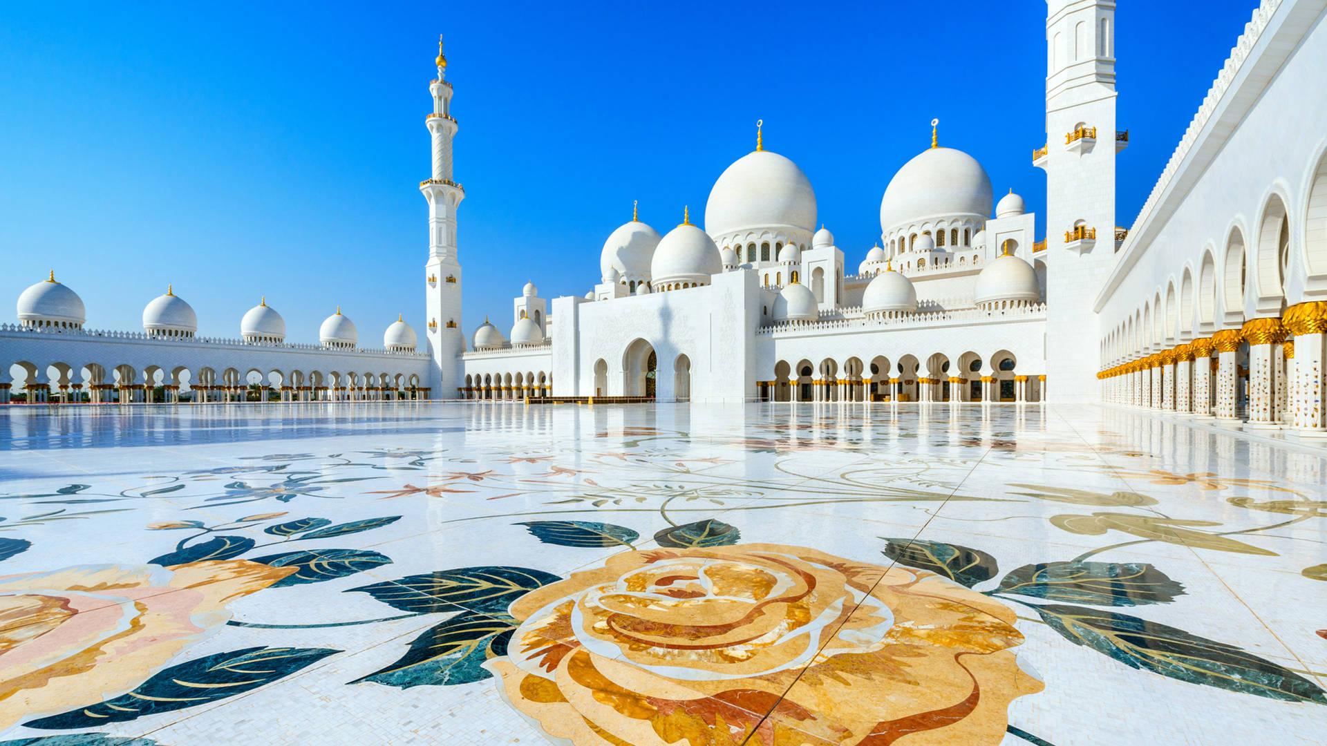 Вид на Большую мечеть в Абу-Даби