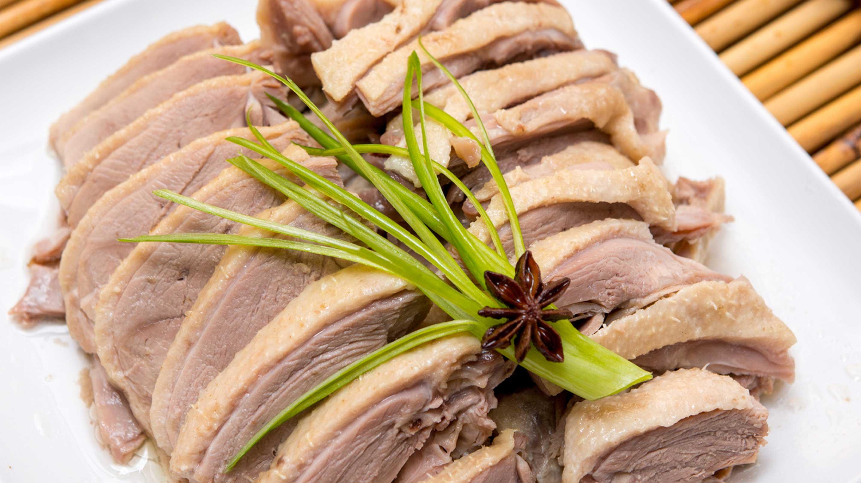 طبق البطّ المُملّح المُميّز في نانجينغ