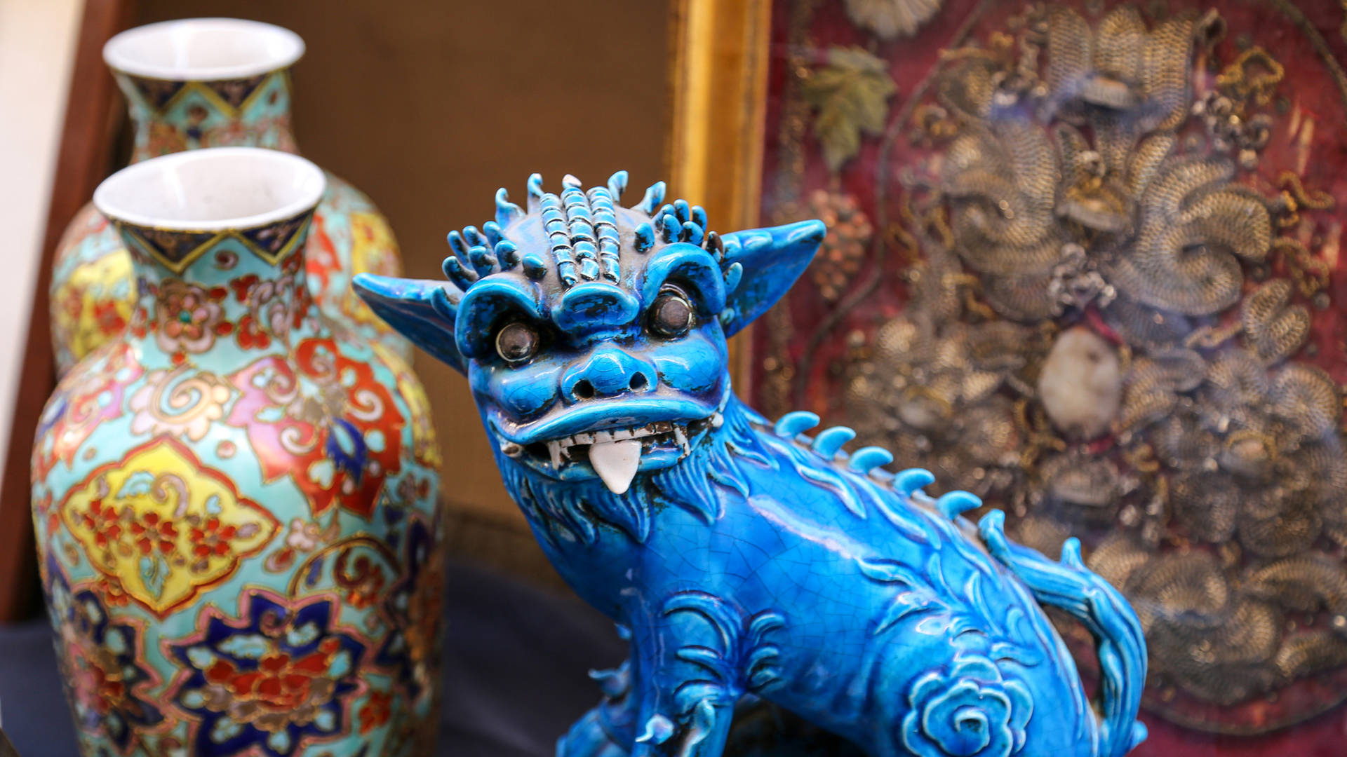 Chinese flea market antiques