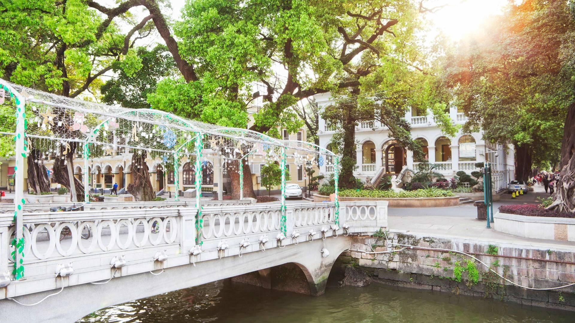 Blick von der Brücke auf der Shamian-Insel in Guangzhou