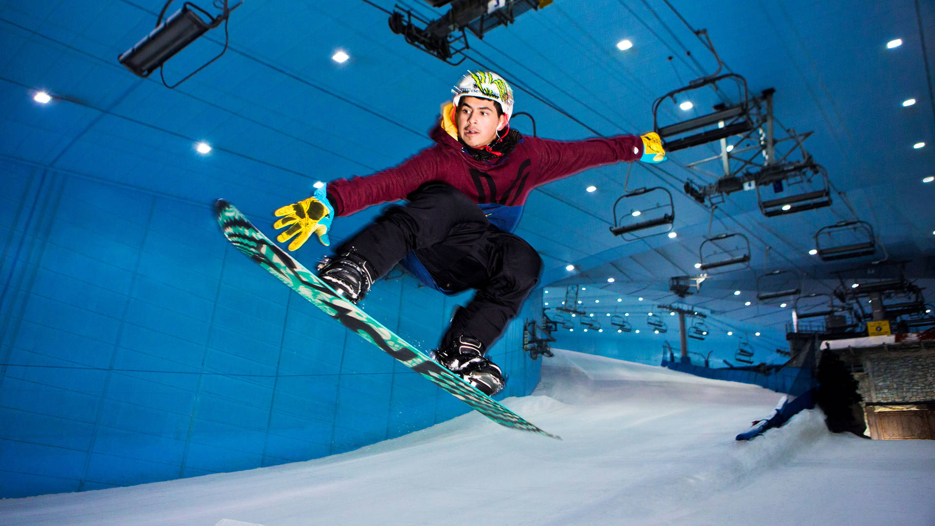 Keeping Active in Dubai - Ski Dubai