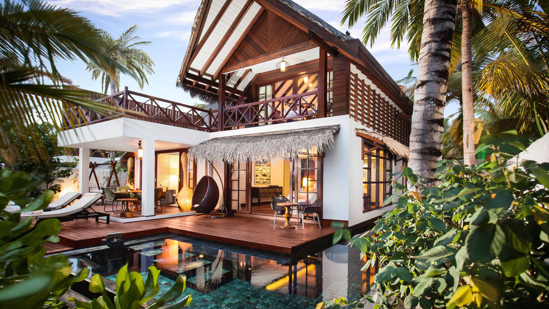 Jumeirah suite in tropical surrounds