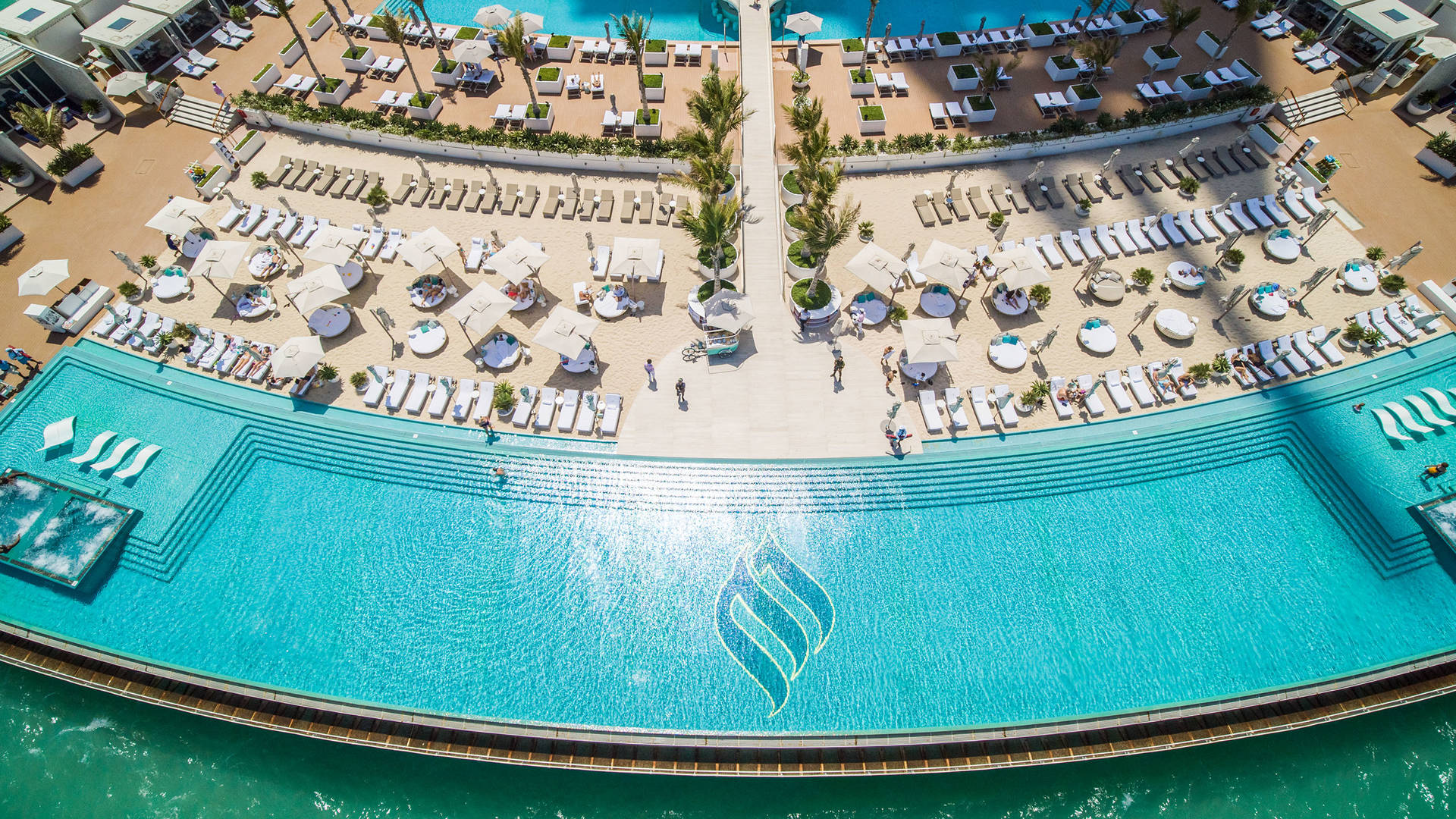 卓美亚帆船酒店海上浮台无人机