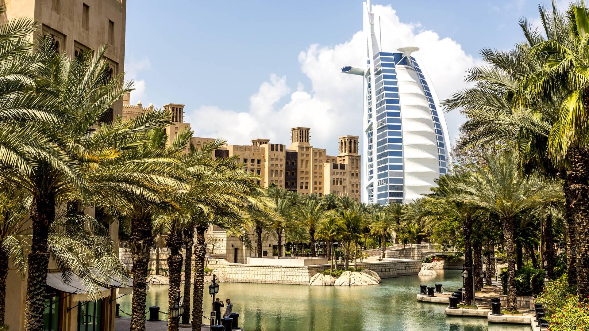 Canalside paths Souk Madinat Jumeirah istock Dubai