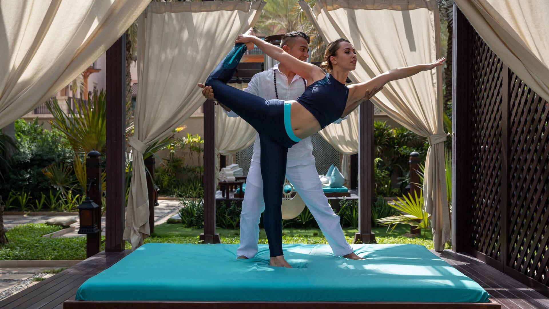 Expert yoga teachers