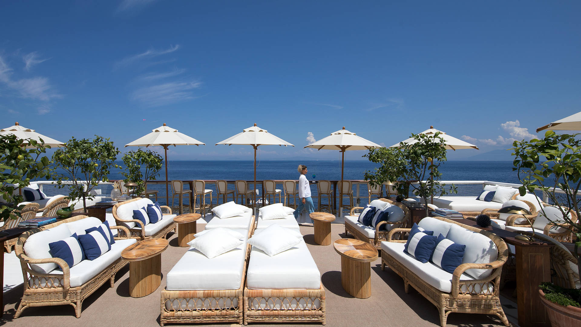 Outdoor seating in Jumeirah Capri Palace's Il Riccio