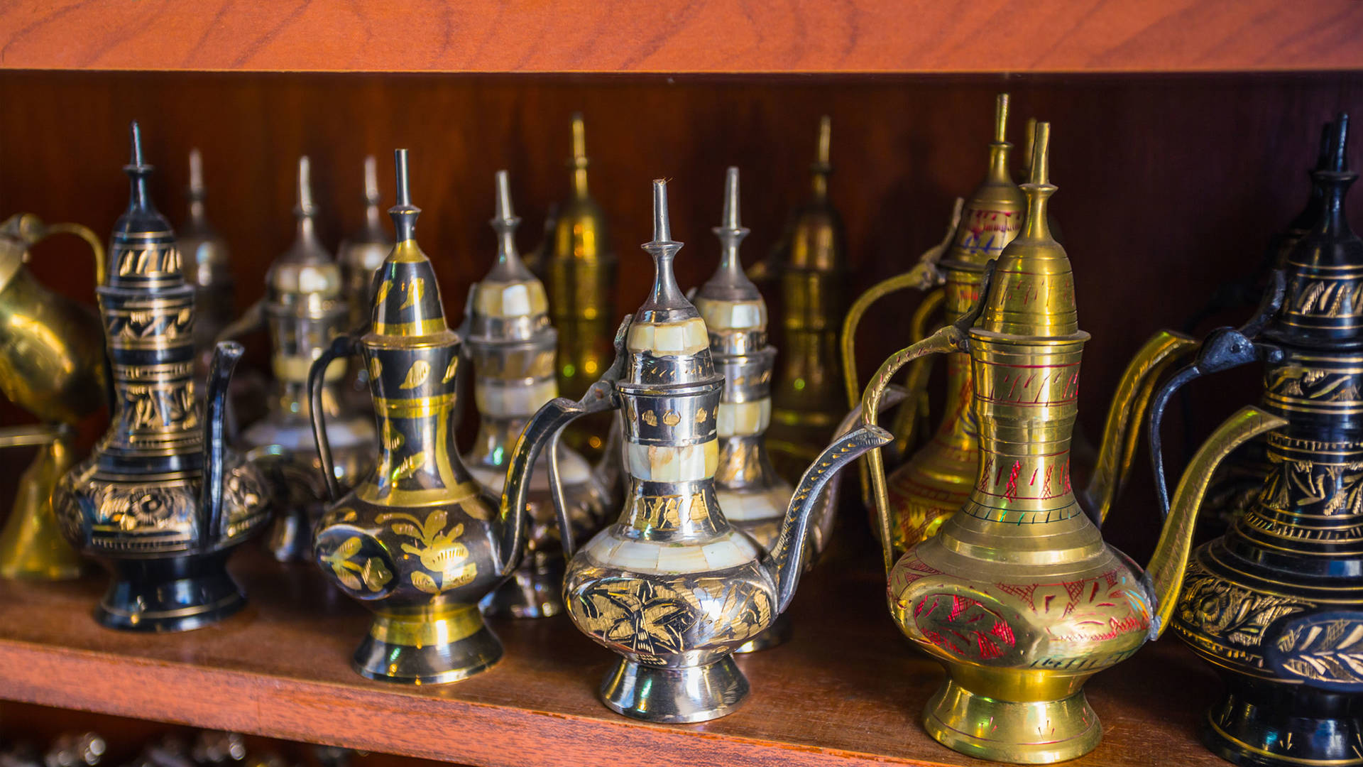 coffee pot local souvenirs dubai
