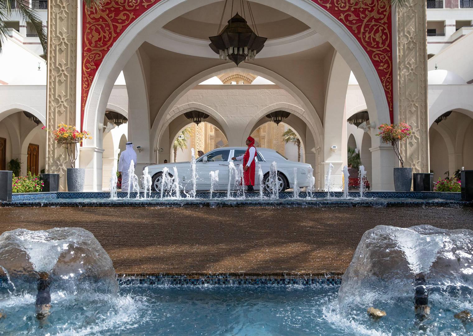 Entrance to Jumeirah Zabeel Saray