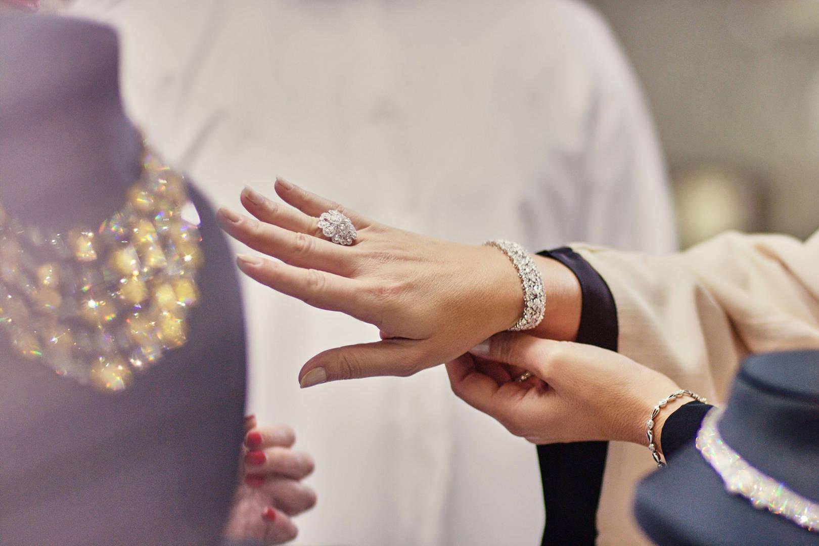 محلات بيع المجوهرات في دبي