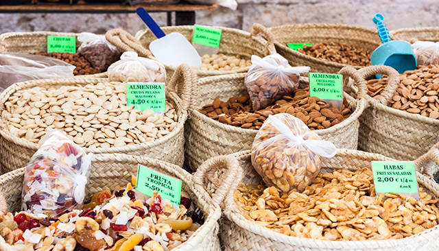 Healthy Eating in Mallorca - Nuts