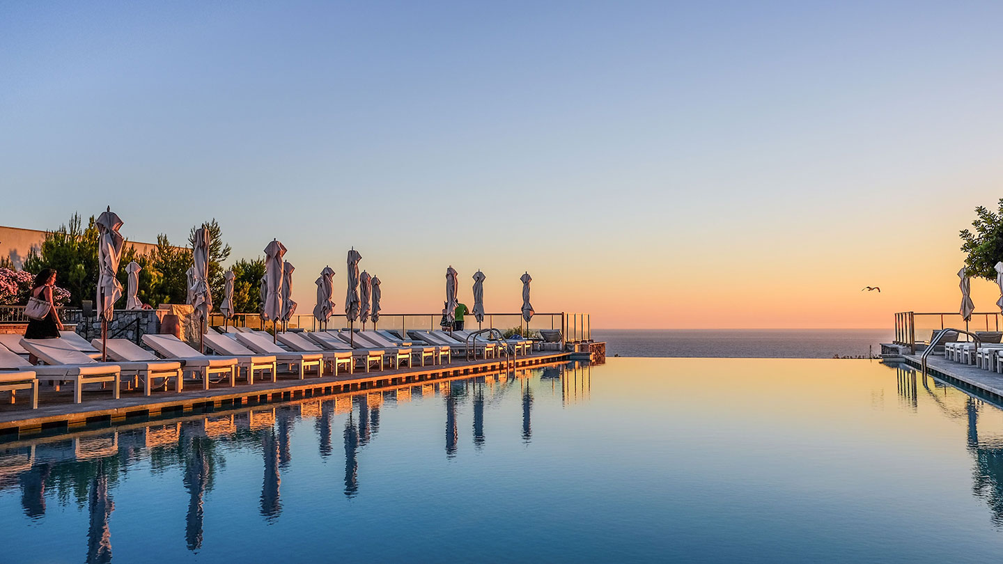 Jumeirah Port Soller Infinity Pool t Sunset