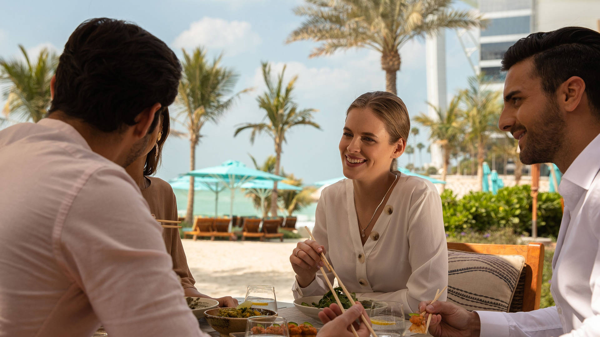 Summersalt-Beach-Club-Brunch-View-Burj-Jumeirah-Al-Naseem
