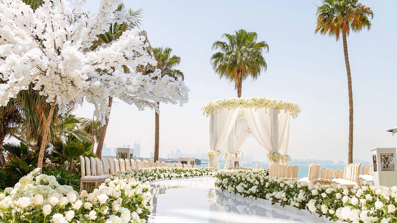 Свадьба в саду Jumeirah Palm отеля Burj Al Arab