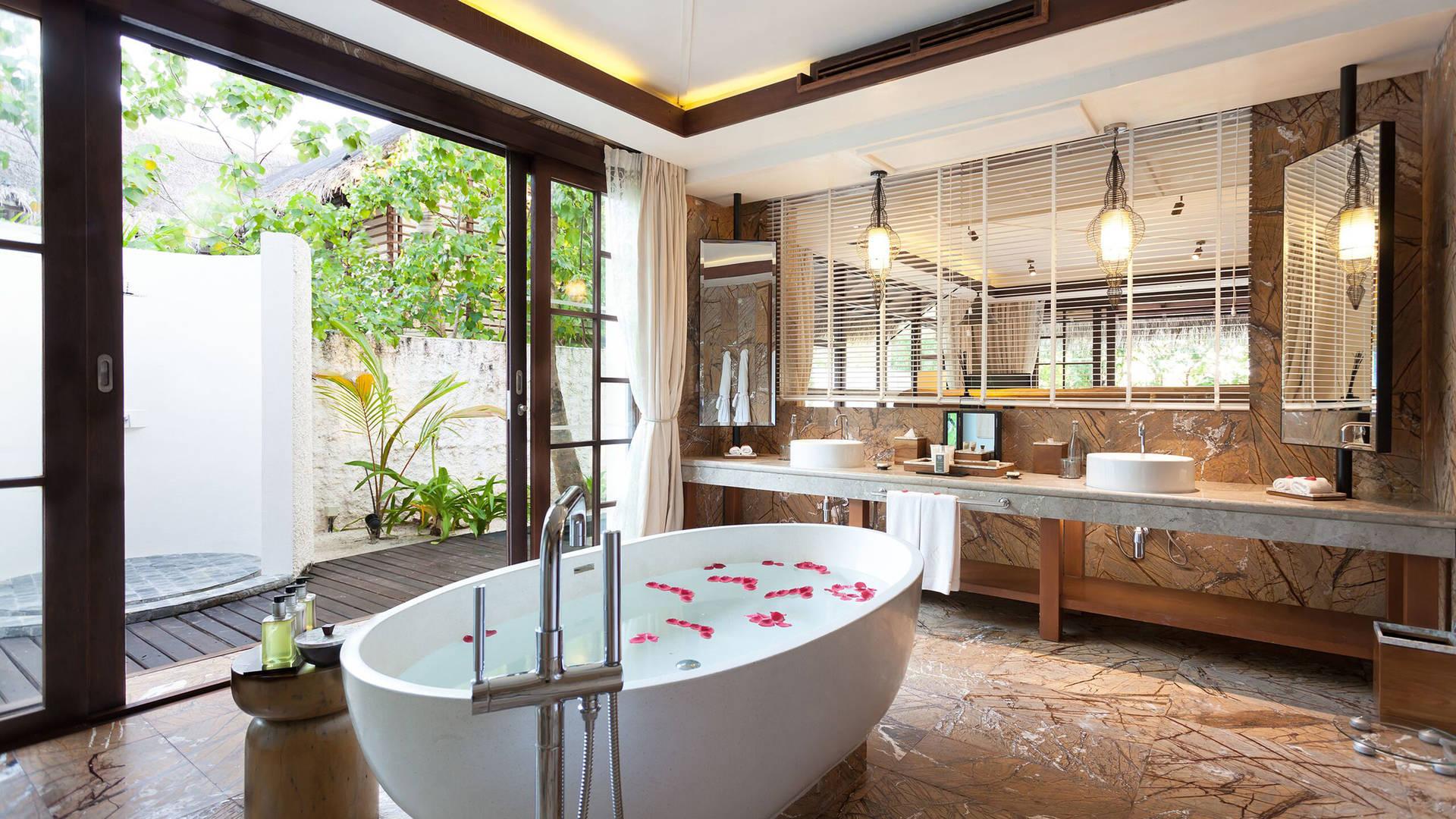 Jumeirah Vittaveli bathroom