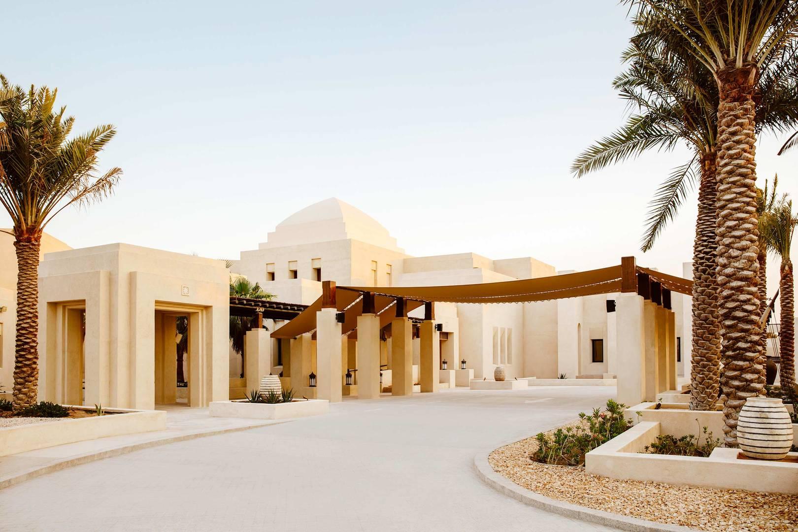Fassade des Jumeirah Al Wathba Desert Resort & Spa