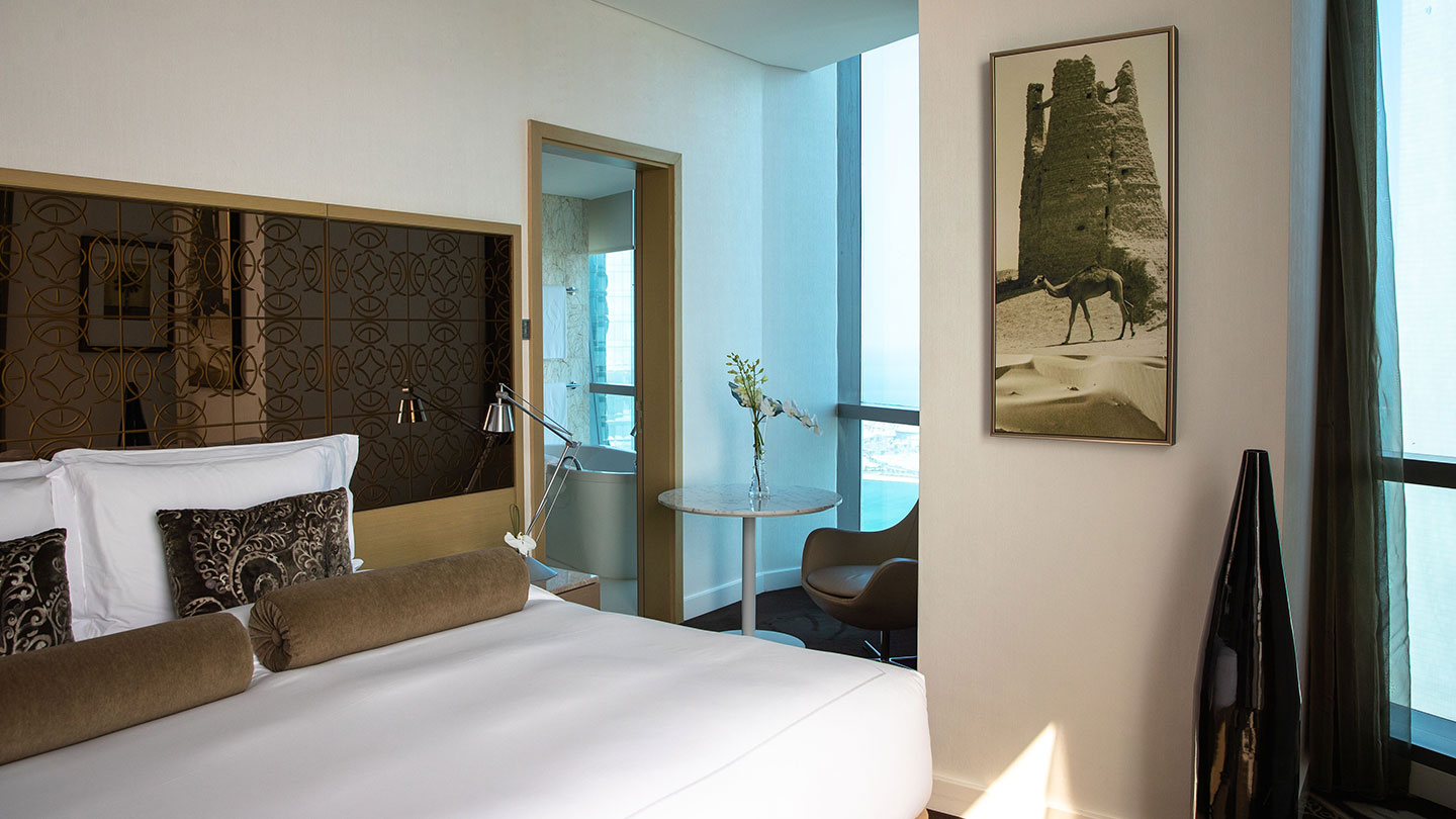 Deluxe Club Twin room at Jumeirah at Etihad Towers