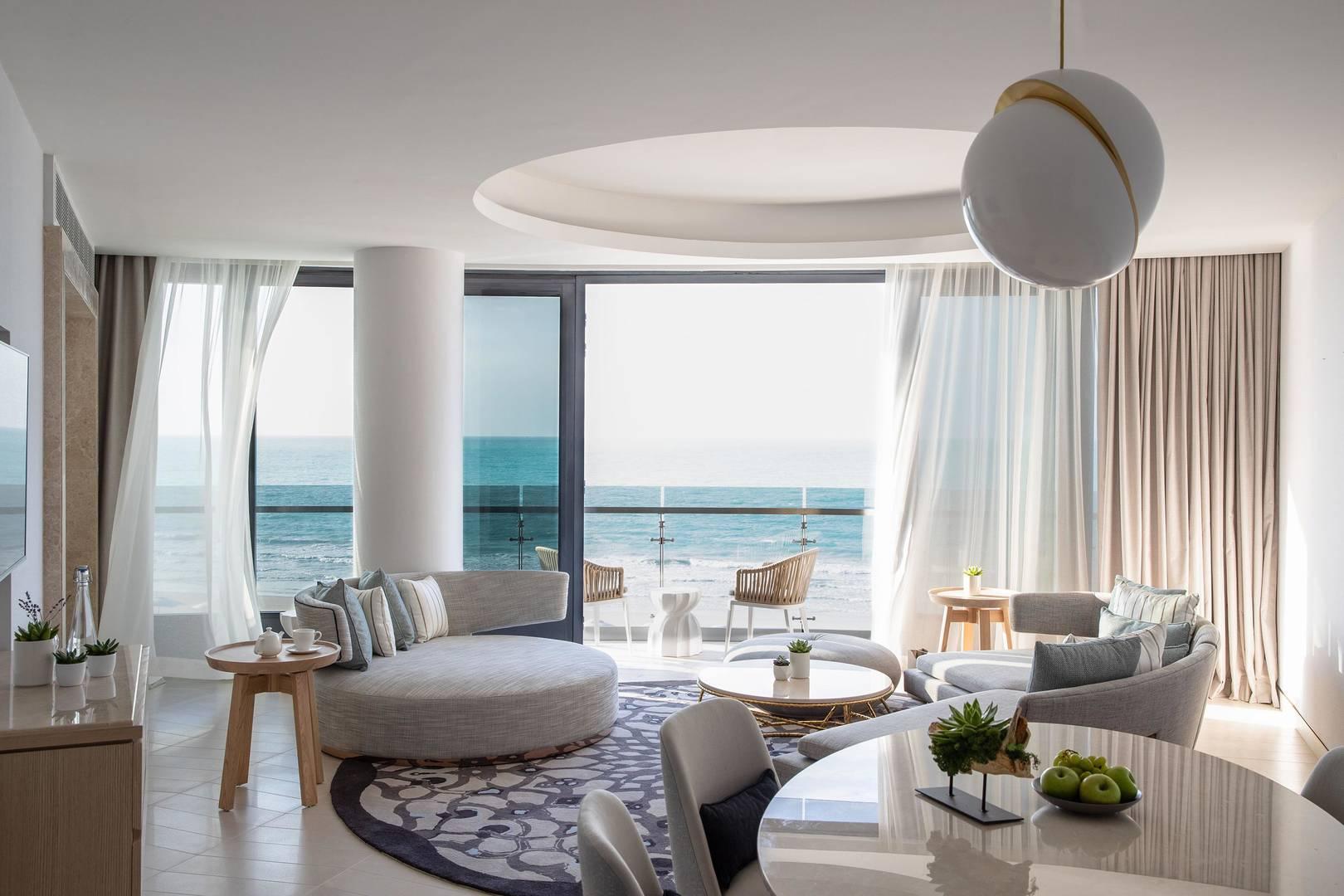 Living room in the Panoramic Suite at Jumeirah Saadiyat Island Resort